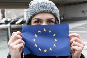 Femei în funcții de conducere: Comisia Juncker își depășește obiectivul de 40%