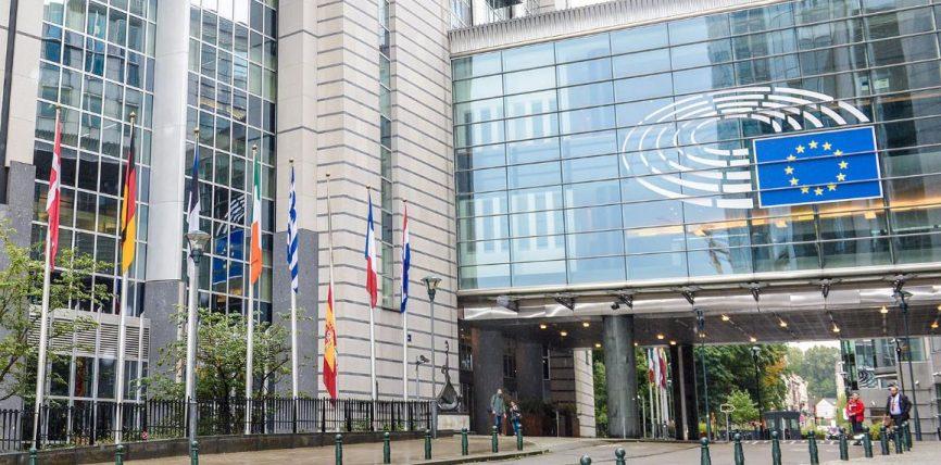 Președintele Parlamentului, Antonio Tajani, condamnă atacurile teroriste din Spania