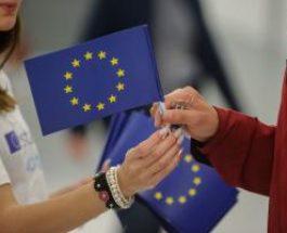 """Înscrie-te la concursul ,,Lider European"""" până pe 8 noiembrie"""