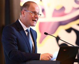 Comisarul Tibor Navracsics în România